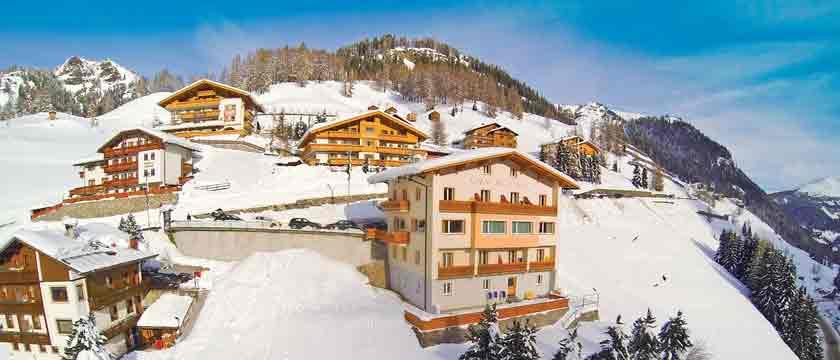 italy_dolomites-ski-area_arabba_hotel-bellavista_exterior.jpg